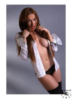 Model Hooker in Hurdiyo